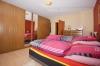 DIETZ: Sonnige großzügie 3 - 4 Zimmer Wohnung mit Balkon, Tageslichtbadezimmer uvm. - Schlafzimmer 1 von 2