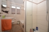 DIETZ: 3-Zimmer Neubau mit Balkon - Gäste-WC - Fußbodenheizung - Jügesheim - Tageslichtbad Wanne+Dusche