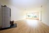 **VERMIETET**DIETZ: Umfangreich sanierter Bungalow mit 569m² Grundstück und gehobener Ausstattung! - Wohnzimmer mit Holzofen