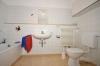 **VERMIETET**DIETZ: 1,5 Zimmer Wohnung Tiefgarage & Einbauküche inkl., Schwimmbad und Sauna - - Wannenbad mit Handtuchwärmer