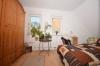 **VERMIETET**DIETZ: Hübsche geräumige 3 Zimmer Wohnung mit ca. 100 m² Grundfläche! - Schlafzimmer 1 von 2
