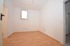 **VERMIETET**DIETZ: Frisch renovierte 2-3 Zimmer Terrassenwohnung mit hellem Tageslichtbad mit Dusche - 2 Familienhaus - Durchgangszimmer