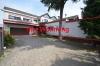 **VERMIETET**DIETZ: 5 Zimmer 230 m² - Terrassen-Wohnung mit Garten, Schwimmbad, Wintergarten, auf ca. 1000m² Grundstück - Außenansicht Straßenseite