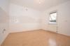 **VERMIETET**DIETZ: Renovierte 4 Zimmer Erdgeschosswohnung mit Balkon und KFZ-Stellplatz - Küche