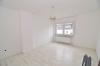 **VERMIETET**DIETZ: Hier ist PLATZ! Haus im Haus! Modernisierte 4 Zimmerwohnung mit separatem Eingang, Loggia... - Blick in die Küche