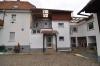 **VERMIETET**DIETZ: Hier ist PLATZ! Haus im Haus! Modernisierte 4 Zimmerwohnung mit separatem Eingang, Loggia... - Außenansicht 2 Familienhaus