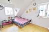 **VERMIETET**DIETZ: Hochwertige Ausstattung! Maisonettewohnung mit vielen Extras im jungen Mehrfamilienhaus in ruhiger (fast) Ortsrandlage! - Schlafzimmer 2 von 2