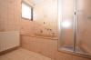 **VERMIETET**DIETZ: Gepflegtes Einfamiilienhaus mit schönem Garten und Garage - Badewanne und Dusche