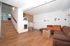 **VERMIETET**DIETZ: JÜGESHEIM! Gemütliches Reihenmittelhaus mit moderner Split-Level-Bauweise - Garage - Einbauküche - modernes Bad und Gäste-WC - Wohnbereich Teil 2 Kaminofen