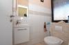 **VERMIETET**DIETZ: JÜGESHEIM! Gemütliches Reihenmittelhaus mit moderner Split-Level-Bauweise - Garage - Einbauküche - modernes Bad und Gäste-WC - WC für Ihre Gäste
