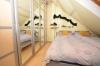 **VERMIETET**DIETZ: Gemütliche 2 Zimmer-Dachgeschosswohnung - Wannenbadezimmer in Münster - verkehrsberuhigte Zone - Schlafzimmer mit SAT-TV