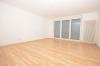 **VERMIETET**DIETZ: WG-tauglich und gut ausgestattet! Wohnung mit 2 Balkonen - Einbauküche - Wanne+Dusche und Stellplatz in der Tiefgarage - Schlafzimmer mit Balkon 1