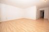 **VERMIETET**DIETZ: WG-tauglich und gut ausgestattet! Wohnung mit 2 Balkonen - Einbauküche - Wanne+Dusche und Stellplatz in der Tiefgarage - Wohnzimmer
