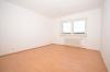**VERMIETET**DIETZ: **Einmalige Gelegenheit** Erdgeschosswohnung in direkter Feldrandlage mit Wanne+Dusche+Balkon - Schlafzimmer 1 von 2