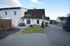**VERMIETET**DIETZ: 1a sanierte, möblierte Doppelhaushälfte in Babenhausen - Feldrandnähe - großes Grundstück mit 2 Garagen! Opt. auch unmöbliert! - Außenansicht