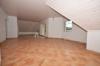 **VERMIETET**DIETZ: Neubau-Erstbezug 4 Zimmer Maisonette-Wohnung mit Balkon, 1 PKW-Stellplatz inkl. und opt. Garage - Direkte Feldrandlage! - Wohn- und Essbereich