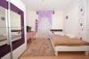**VERMIETET**DIETZ: Gepflegte und teils modernisierte 3 Zimmerwohnung im 1. Obergeschoss eines 13-Familienwohnhauses - mit Aufzug! - Schlafzimmer 2 von 2