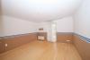 **VERMIETET**DIETZ: Wohnhaus und Betrieb, vereint auf einem Grundstück - 5 Garagen! - Schlafzimmer 1