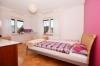 **VERMIETET**DIETZ: Gepflegte 3 Zimmerwohnung mit neuem Tageslichtbadezimmer - Balkon - Optionale Einbauküche - PKW-Stellplatz - Schlafzimmer 1 von 2