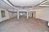 **VERMIETET**DIETZ: 150 m² Halle mit 120 m² zusätzlicher Büro oder Lagerflächen - Blick in die Halle
