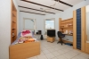 **VERMIETET'**DIETZ: Terrassenwohnung mit Garten - Garage - Einbauküche - Kaminofen - Wanne+Dusche - Habitzheim - Schlafzimmer 1 von 2