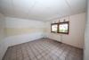 DIETZ: Ruhig gelegene 2-3 Zimmerwohnung mit Tageslichtbad, Gartenmitbenutzung und einen Stellplatz inkl! - Große Wohnküche