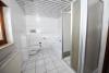 DIETZ: Ruhig gelegene 2-3 Zimmerwohnung mit Tageslichtbad, Gartenmitbenutzung und einen Stellplatz inkl! - TGL-Bad mit Wanne und Dusche