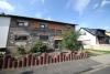 DIETZ: Ruhig gelegene 2-3 Zimmerwohnung mit Tageslichtbad, Gartenmitbenutzung und einen Stellplatz inkl! - Frontansicht