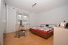 **VERMIETET**DIETZ: Modernisierte 3 Zimmerwohnung in top zentraler & ruhiger Lage in Dieburg! Auch ideal für die junge Familie! - Schlafzimmer 1 von 2