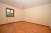 **VERMIETET**DIETZ: Gemütliche 2-Zimmerwohnung mit EBK und West-Balkon im Ortsteil von Groß-Umstadt! - Schlafzimmer 1 von 1