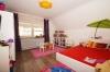 DIETZ: TOP 3 Zimmerwohnung mit Balkon - PKW-Stellplatz - optionaler Einbauküche in guter Lage von Nieder-Roden - Schlafzimmer 2 von 2