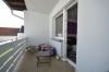 DIETZ: TOP 3 Zimmerwohnung mit Balkon - PKW-Stellplatz - optionaler Einbauküche in guter Lage von Nieder-Roden - Überdachter Balkon