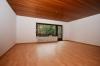 **VERMIETET**DIETZ: Seltener Blick und ein Schnäppchen - Renovierte 4 Zimmerwohnung mit Garage + Außenstellplatz + Balkon uvm - Wohnbereich