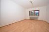**VERMIETET**DIETZ: Seltener Blick und ein Schnäppchen - Renovierte 4 Zimmerwohnung mit Garage + Außenstellplatz + Balkon uvm - Schlafzimmer 1 von 3
