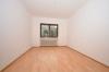 **VERMIETET**DIETZ: Seltener Blick und ein Schnäppchen - Renovierte 4 Zimmerwohnung mit Garage + Außenstellplatz + Balkon uvm - Schlafzimmer 2 von 3