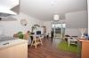 **VERMIETET**DIETZ: 2 Zimmer Neubauwohnung mit überdachtem Balkon - Fußbodenheizung in einer Randlage von Dieburg - Wohn und Essbereich