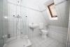 DIETZ: Modernisierte 3 Zimmer Maisonette Wohnung im sehr gepflegtem Fachwerkhaus - Badewanne und Dusche