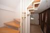 DIETZ: Modernisierte 3 Zimmer Maisonette Wohnung im sehr gepflegtem Fachwerkhaus - Treppenaufgang
