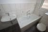 **VERMIETET**DIETZ: Gepflegte und moderne 2 Zimmer-Wohnung im 9 Familienhaus Einbauküche - Tageslichtbadezimmer