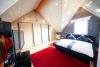 DIETZ: Tip Top ausgestattetes Wohnhaus in ruhiger Lage von Münster Altheim - Schlafzimmer 1 von 3