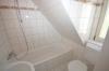 **VERMIETET**DIETZ: Modernisierte 1 Zimmer-Wohnung mit neuwertiger Einbauküche inmitten der Altstadt Babenhausen - Tageslichtbad mit Badewanne