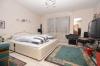 **VERMIETET**DIETZ: Großzügiges Einfamilienhaus mit tollem Garten auf 1395 qm großen Grundstück - Schlafzimmer 1 von