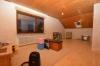 **VERMIETET**DIETZ: Großzügiges Einfamilienhaus mit tollem Garten auf 1395 qm großen Grundstück - Schlafzimmer 4 von 7