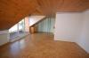 **VERMIETET**DIETZ: Sonnige 3 Zimmer Landhauswohnung mit toller Dachterrasse Spessartblick - Wohnbereich mit Parkettboden