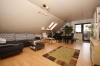 **VERMIETET**DIETZ: TOP ausgestattete Dachgeschosswohnung SonnenBalkon Einbauküche Stellplatz großer Keller - Wohn und Essbereich