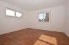 **VERMIETET**DIETZ: Neuwertige 3 Zimmerwohnung in BELIEBTESTER Dieburger Wohnlage nahe Aubergenviller-Allee - Schlafzimmer 1 mit TV