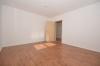 **VERMIETET**DIETZ: Neuwertige 3 Zimmerwohnung in BELIEBTESTER Dieburger Wohnlage nahe Aubergenviller-Allee - Schlafzimmer 1 von 2