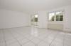 **VERMIETET**DIETZ: Feldrandlage Renovierte 3 Zimmer Erdgeschosswohnung 2 Balkone, GästeWC, Wanne+Dusche, Bj 1996 - Wohnzimmer