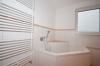 **VERMIETET**DIETZ: Moderne 3-4 Zimmerwohnung in Feldrandlage - Garage - Einbauküche - Eckbadewanne+Handtuchwärmer