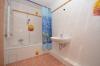 **VERMIETET**DIETZ: Einfamilienhaus mit toller Architektur - Einzugsbereit - 2 Bäder - Badezimmer 2 von 2